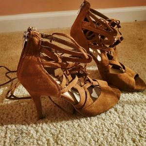 💫 NewYork&Co brown caged lace up heels size 7